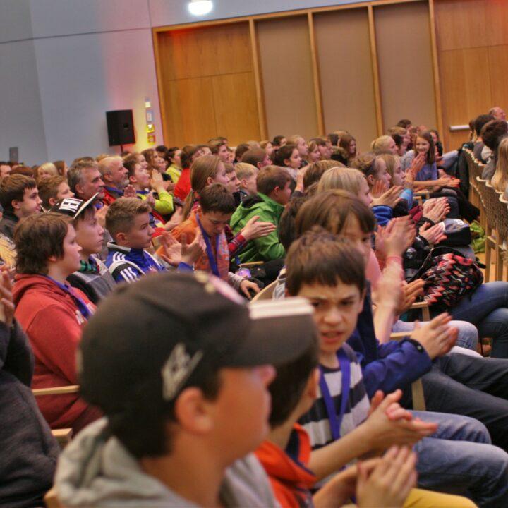 Konfis als Publikum auf dem LUTHERSPASS.